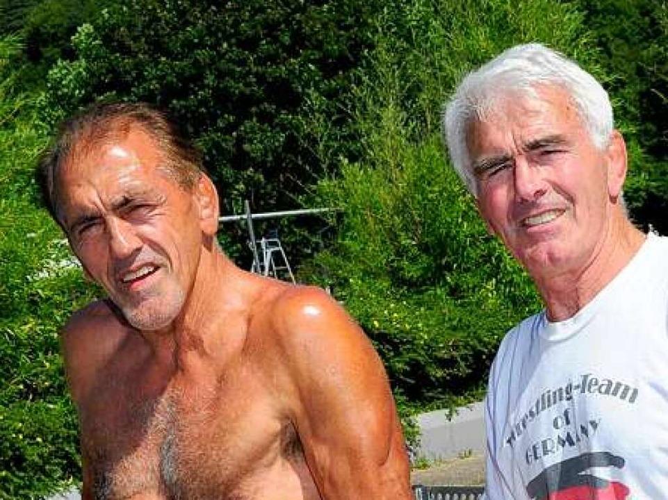 Freiburger Sportlerlegenden: Adolf und Edmund Seger sind immer noch top in Form.  | Foto: Thomas Kunz