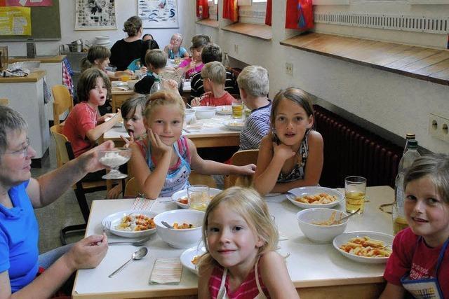 Kinderleicht gekocht: Penne, Pizza und Paprika