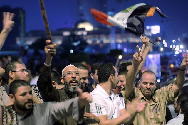 Mursi entmachtet in Ägypten das Militär