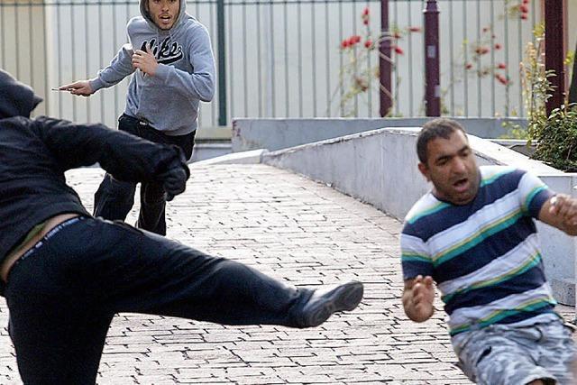 Neofaschisten terrorisieren in Griechenland Ausländer