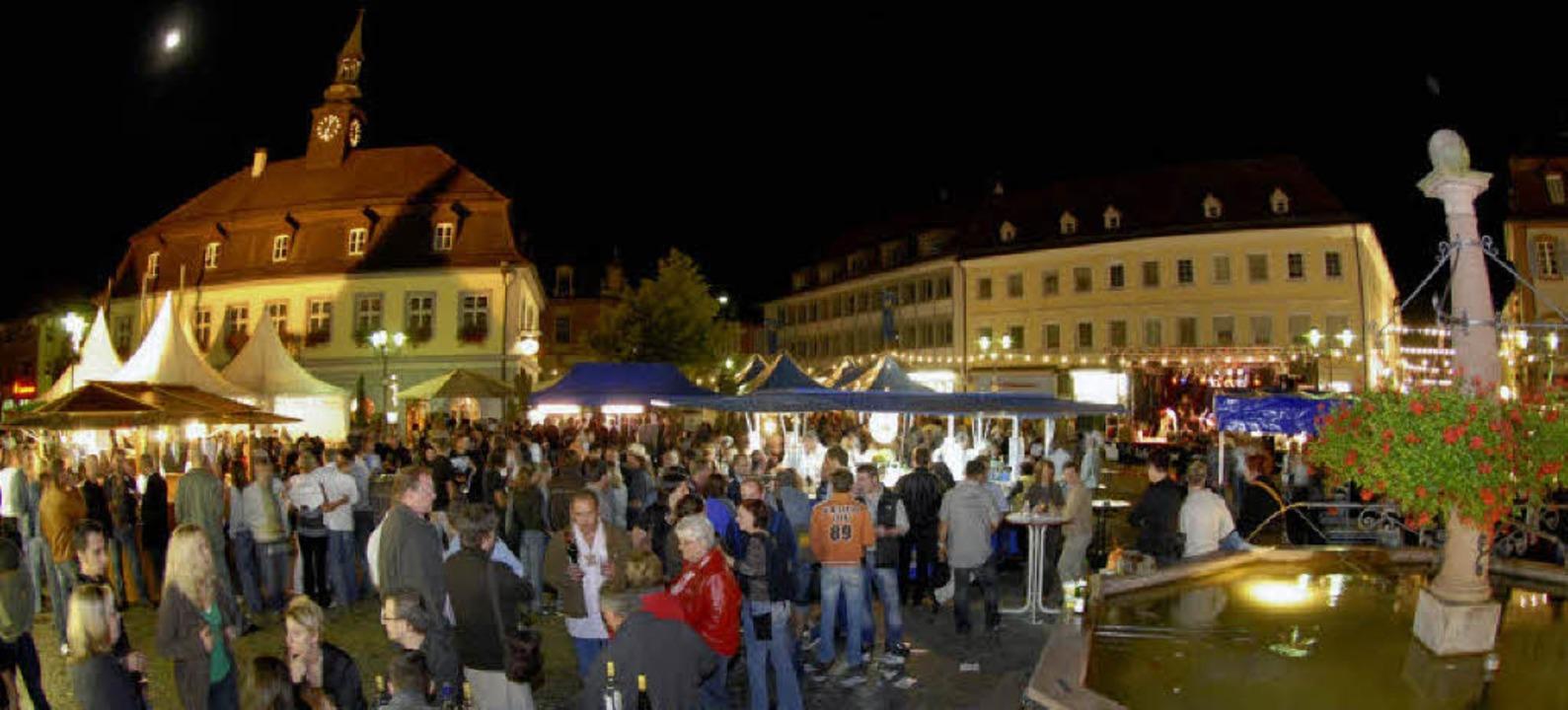 Perfekte Kulisse für ein Weinfest: der Marktplatz in Emmendingen   | Foto: Markus Zimmermann
