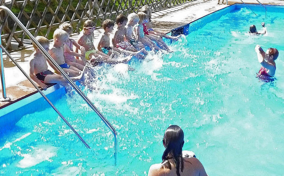 Mädchen und Jungen nahmen mit Begeisterung am Schwimmkurs in Todtnauberg teil.   | Foto: Ulrike Jäger