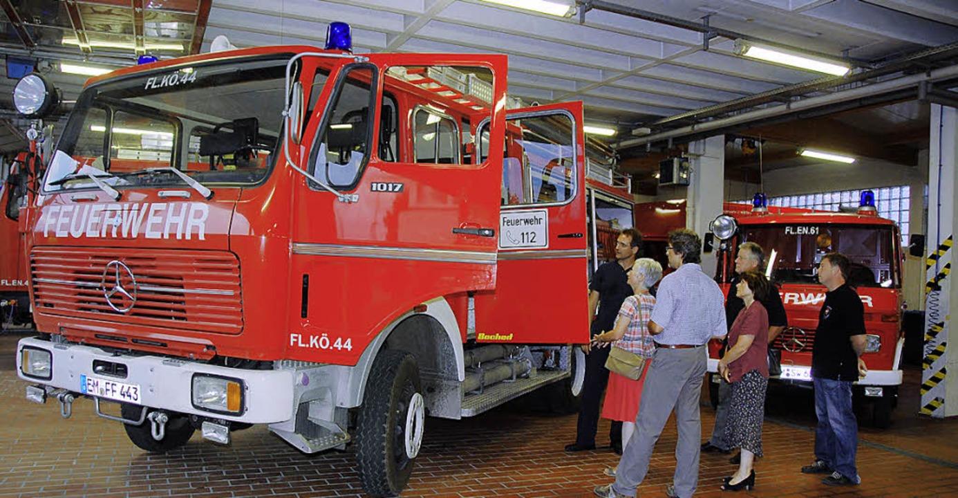 Die beiden Fahrzeuge wurden  im Rahmen...Abteilung Königschaffhausen übergeben.  | Foto: Roland Vitt