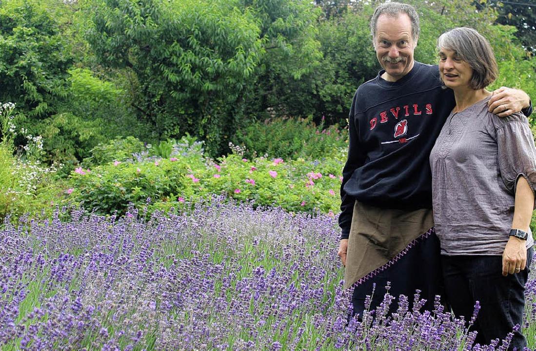 Schwelgen im Lavendel: Sabine und Jürg...sich die Provence  nach Hofen geholt.   | Foto: Anja Bertsch