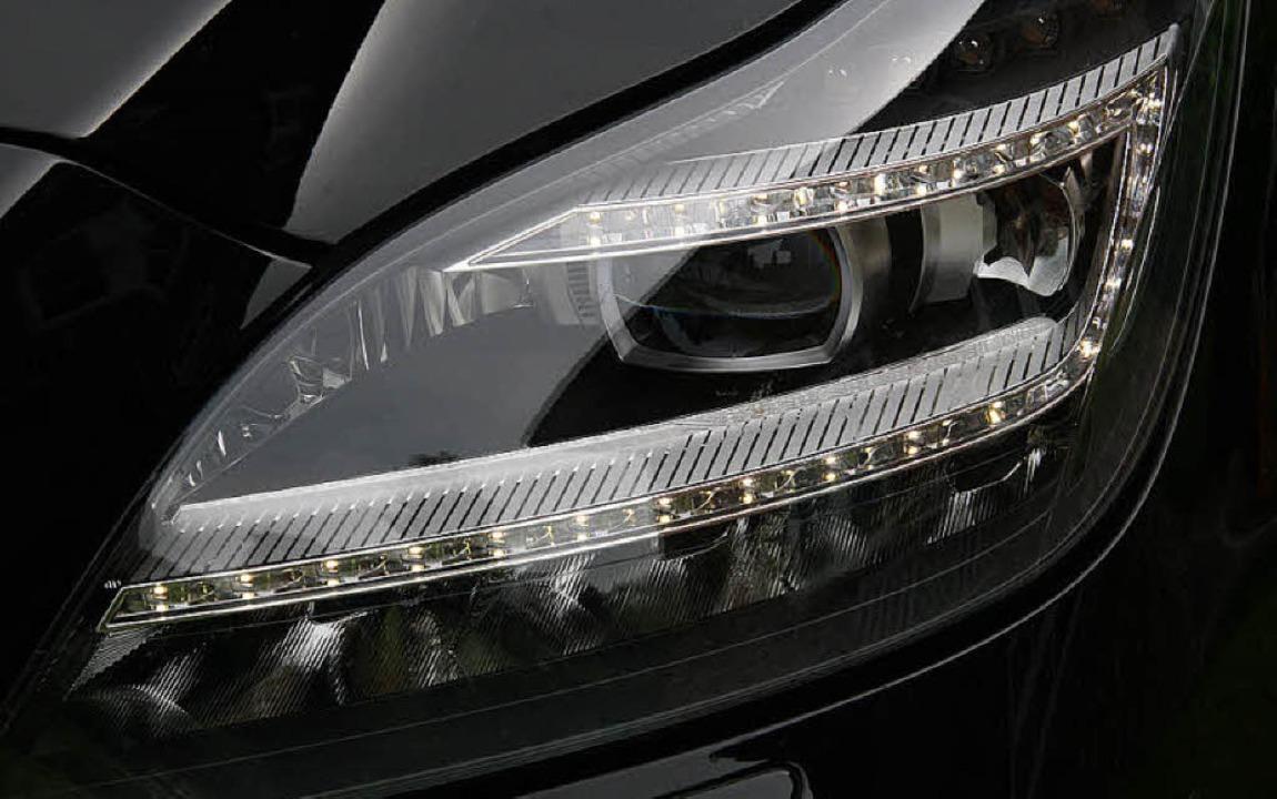 Leuchtender Lidstrich:Immer mehr Auto...sch des ganzen Scheinwerfers rechnen.   | Foto: Christoph Walter