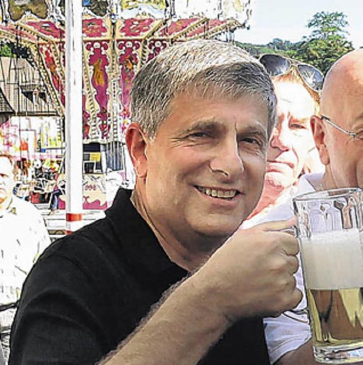 Beim Fassanstich am Freitag mundete OB Albers das Bier.    Foto: Herbst