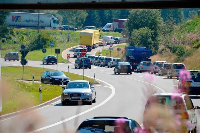 B 31 West: In 20 Tagen rollen die Autos – Streit um den Ausbau geht weiter