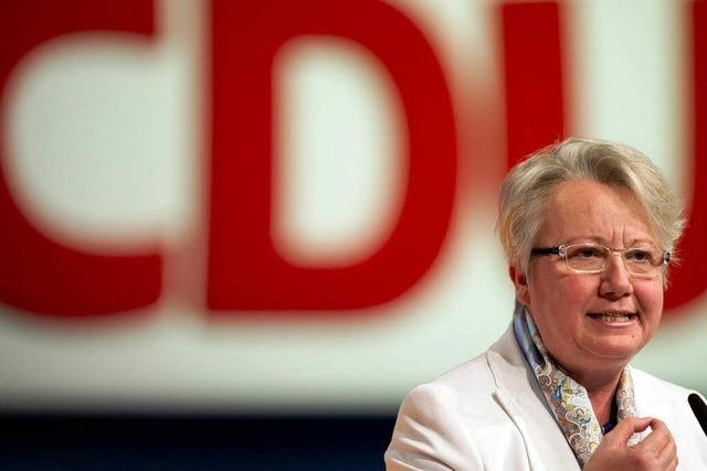 Bundesbildungsministerin Schavan zieht sich aus CDU-Spitze zurück