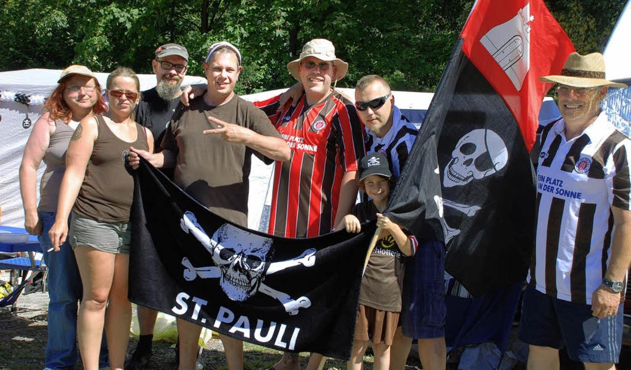 Sankt-Pauli-Fans sind in aller Regel muntere Leute.   | Foto: gertrude siefke