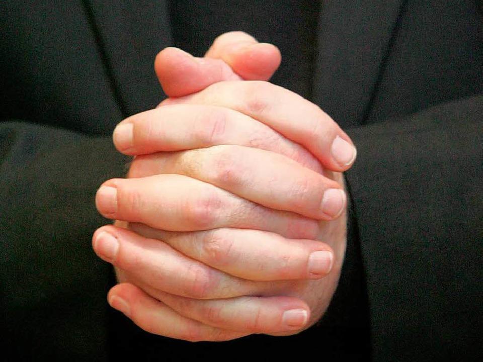 Eilantrag abgelehnt: Ein Priester aus ... vor Gericht nicht durchsetzen können.  | Foto: dpa