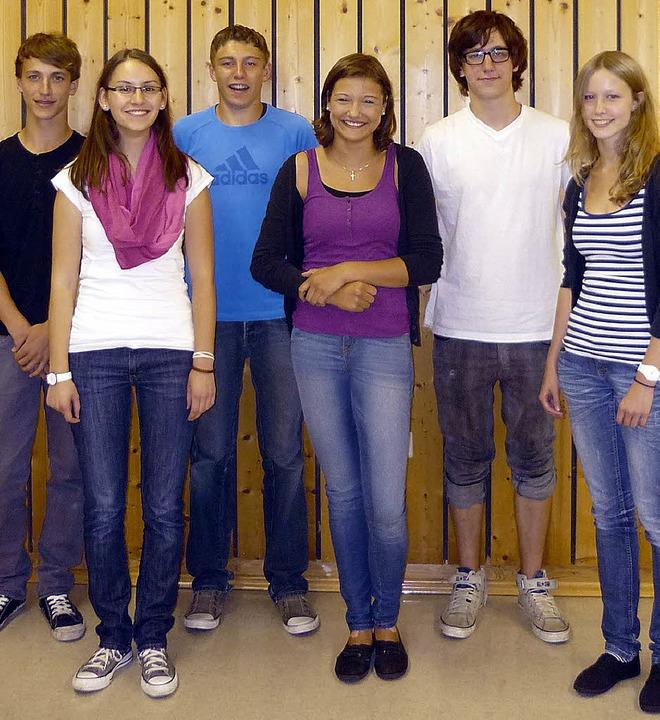 Jannik Schneider, Anne Ruf, Julian Wör...nach rechts) sind jetzt Musikmentoren.  | Foto: privat