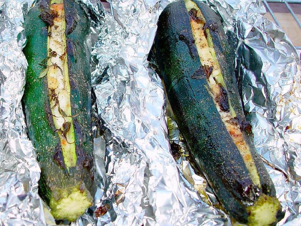 Schafskäse im Bauch: gefüllte Zucchini  | Foto: Hans-Albert Stechl
