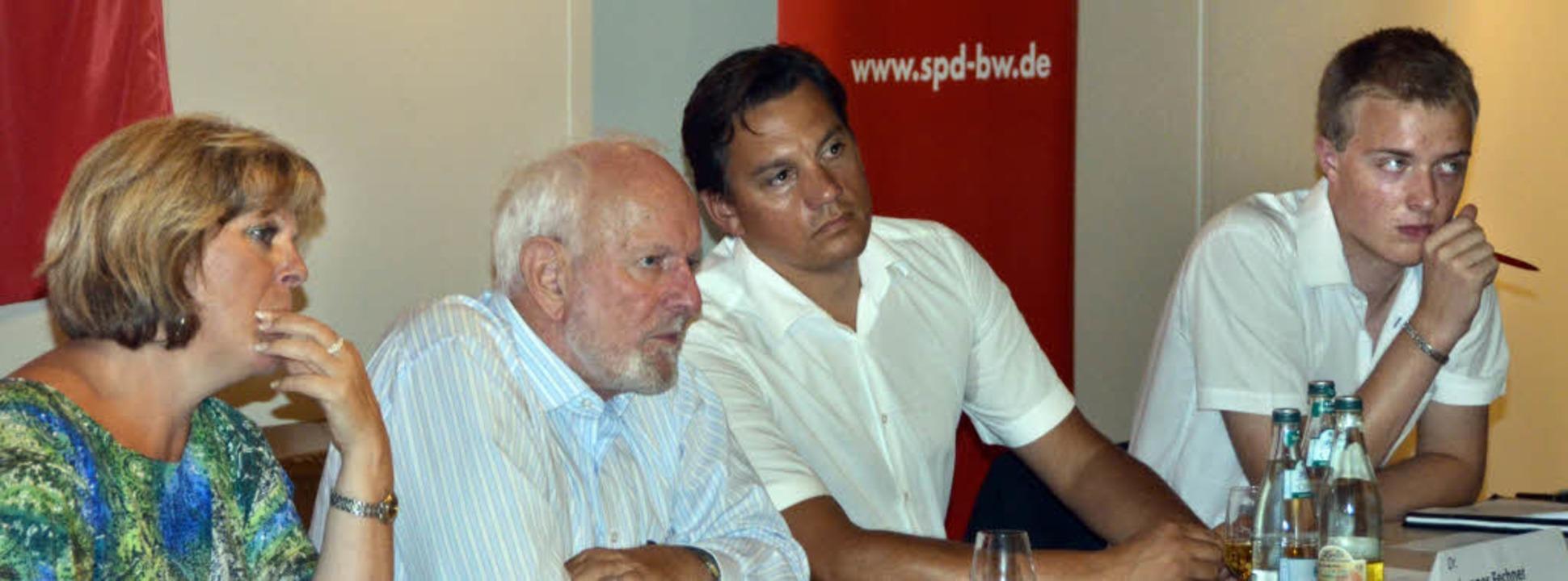 Für die Fragen der Endinger Bürgerscha... Johannes Fechner und Nico Karschewski  | Foto: Daniel Mandel