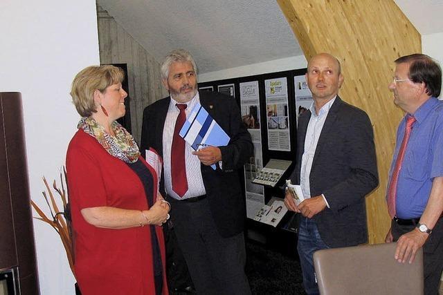 SPD-Besuch lobt das Bizzz