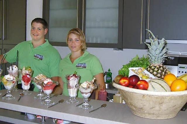 Seebodenhof mit Eiscafé im Probelauf