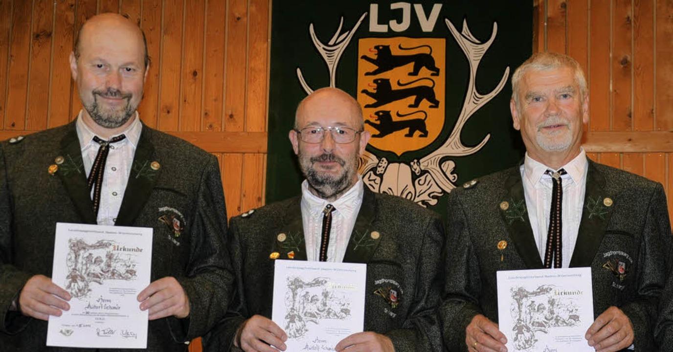 Die Gründungsmitglieder Hubert Schwär,...ind sie bei den Jagdhornbläsern aktiv.  | Foto: Alexandra Wehrle
