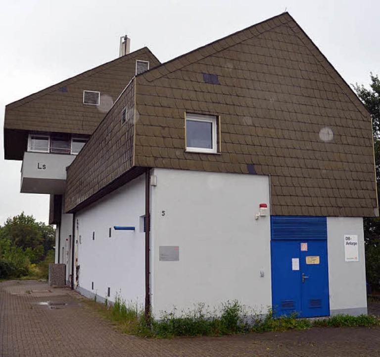 Seit August 2011 stillgelegt ist das S...sthaus Bad Leimstollen weichen musste.  | Foto: Andrea Gallien