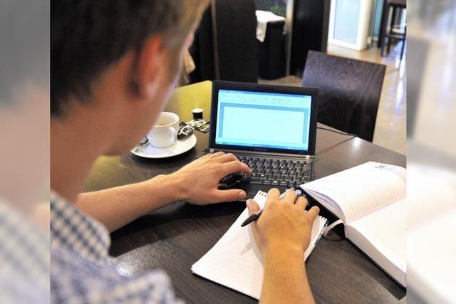 Mit dem Laptop ins Café - das kommt nicht überall gut an