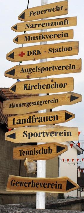 Da geht's lang: Damit die Festbe...hen Verein finden, gibt es Wegweiser.   | Foto: Mario Schöneberg