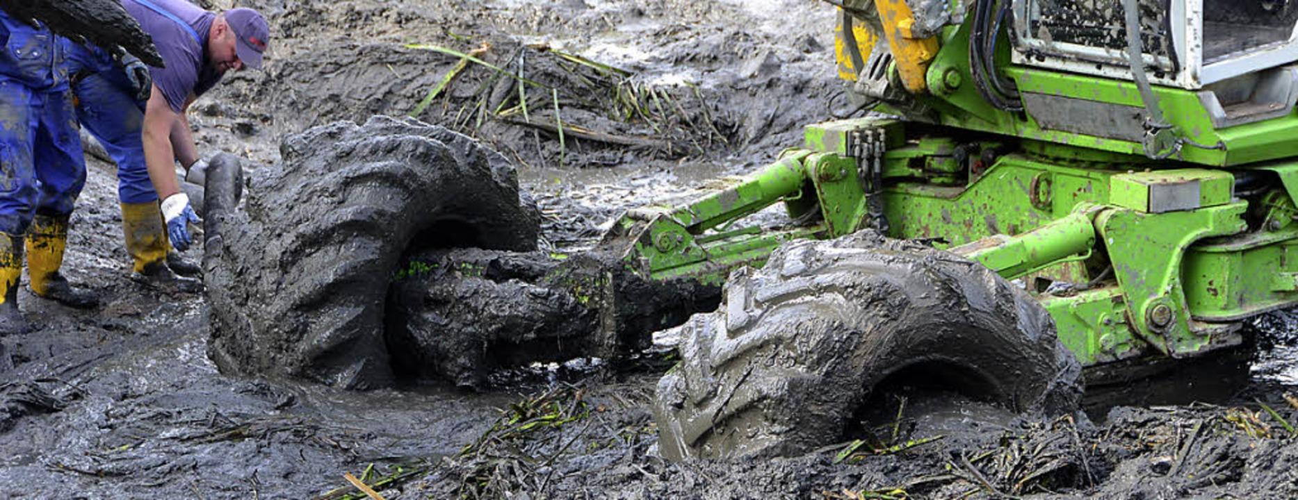 Das Ausbaggern des Teichs ist notwendi...Umkippen des Gewässers zu verhindern.   | Foto: Juliane Kühnemund