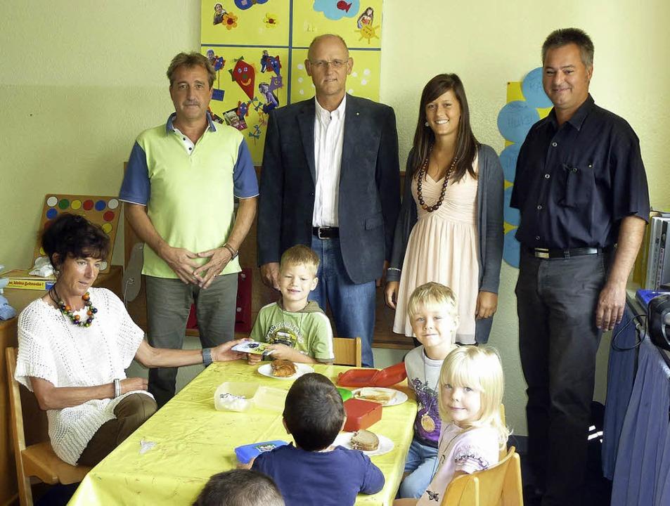 Der Kiwanis-Club Wiesental finanziert ...niela Wolf und Ingo Herzog (Kiwanis).   | Foto: Privat