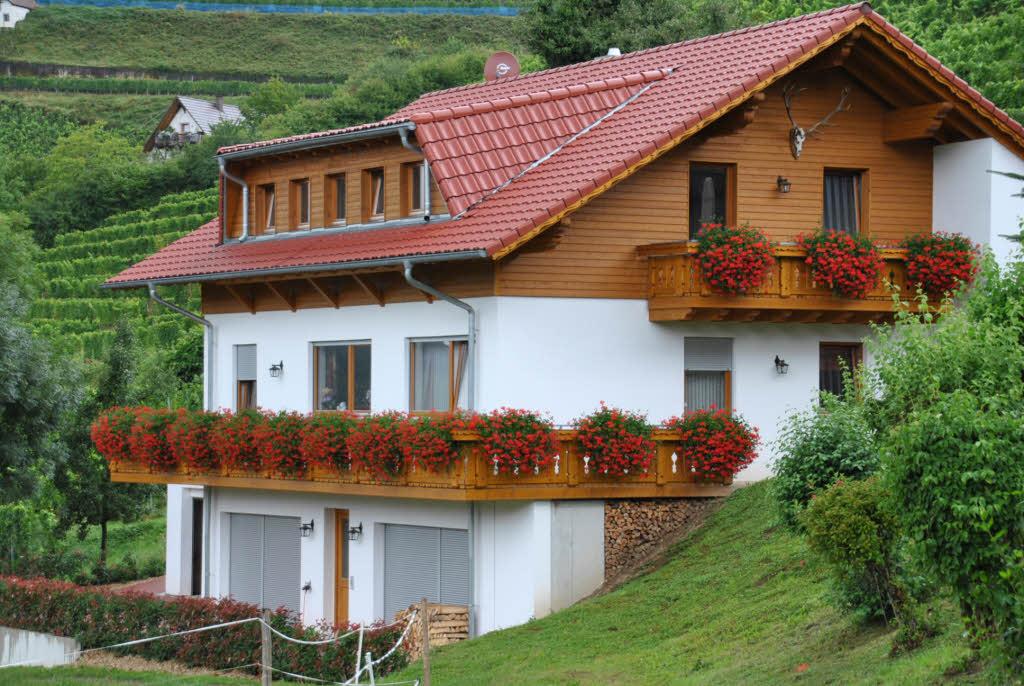 sonnenhof dachgauben beh rde droht zwangsabriss an glottertal badische zeitung. Black Bedroom Furniture Sets. Home Design Ideas
