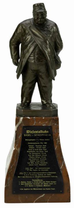 Denkmalstatuette von Kasimir Bauer, dem ersten Zugführer der Wiesentalbahn    Foto: Museum am Burghof