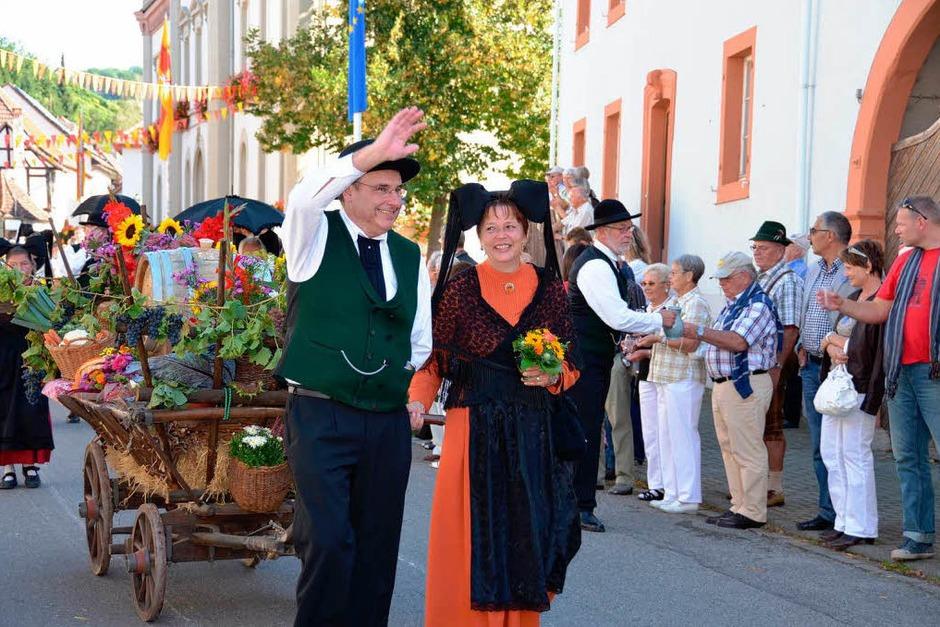 Weinprobe, Schäf-Party und Festumzug – überall steppte der Bär. <?ZP?> (Foto: sigrid umiger)
