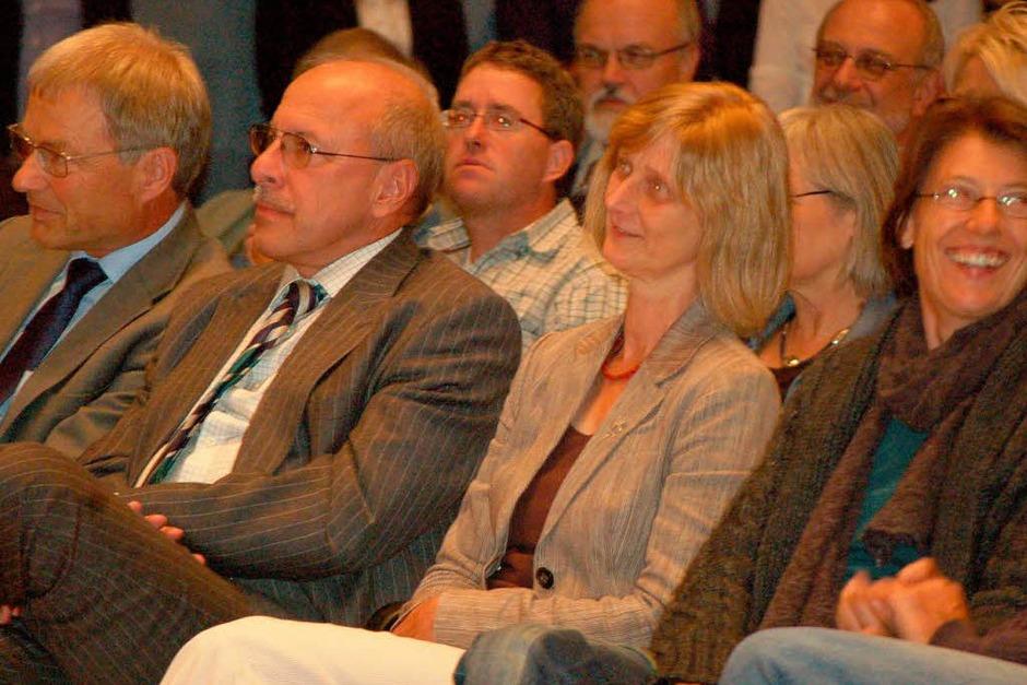 Rund 350 gut gelaunte Bürger, Bürgermeister, Gemeinderäte, Abgeordnete und Feuerwehrleute begrüßten den Landesvater in Wehr. (Foto: Hildegard Siebold)