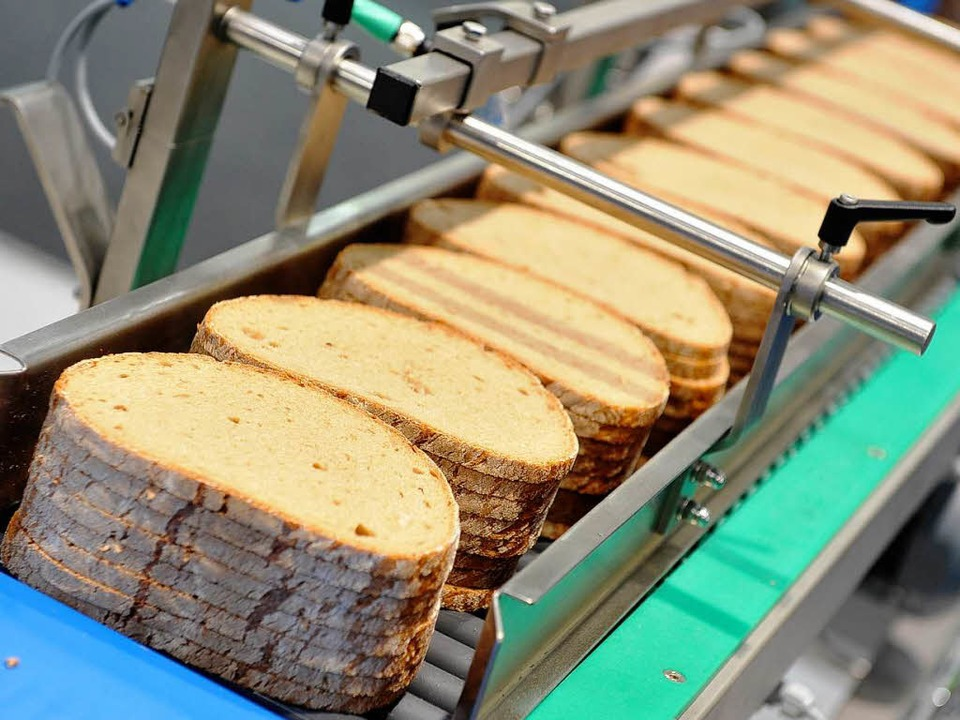 Brot kommt heute vor allem aus dem Supermarkt.  | Foto: dapd