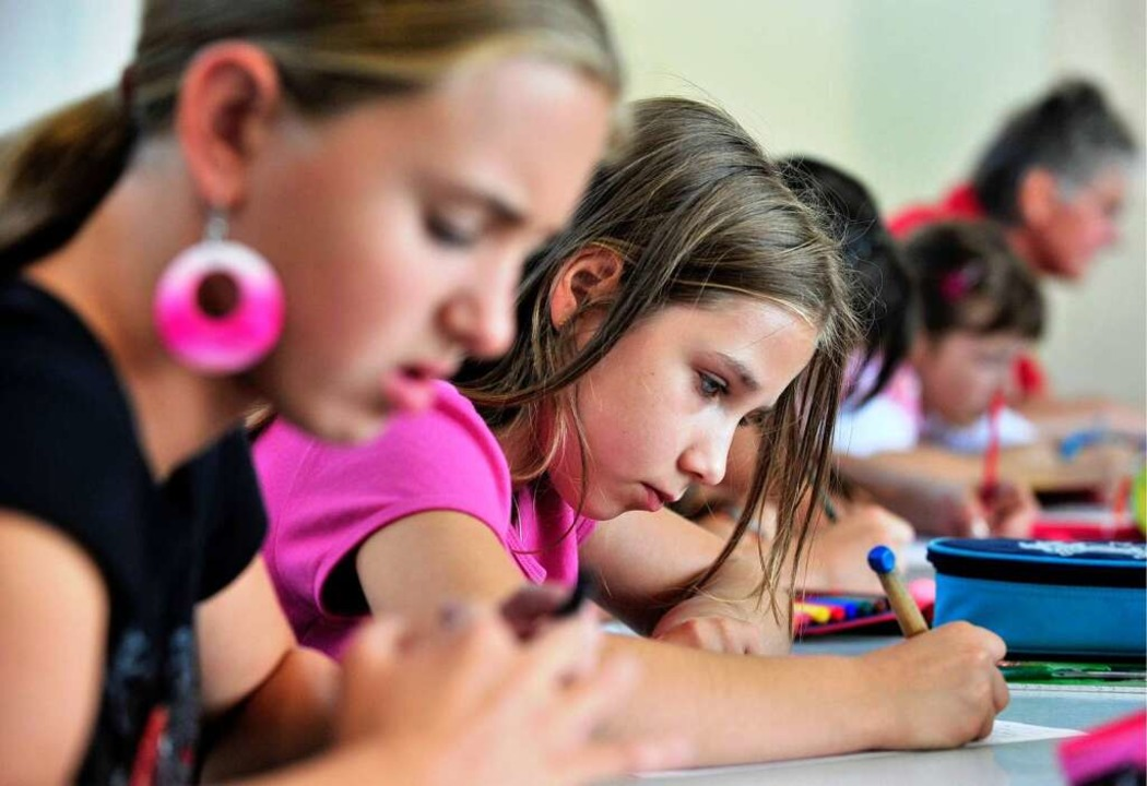 In der Zischup-Arbeitsmappe ist für je...#8211; und jeden Lehrer - etwas dabei.  | Foto: ddp