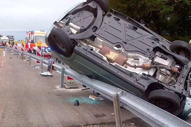 Schwerer Unfall mit mehreren Verletzten auf der B 31