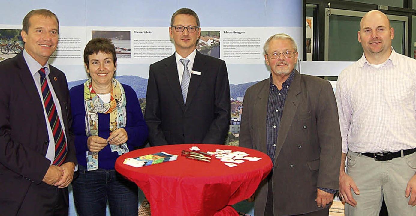 In Foyer der Sparkasse eröffneten (von...echsten Energietag Baden-Württemberg.   | Foto: Heinz Vollmar