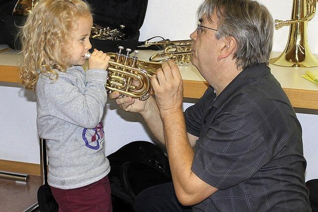 Mit Musik und Instrumenten Freundschaft schließen