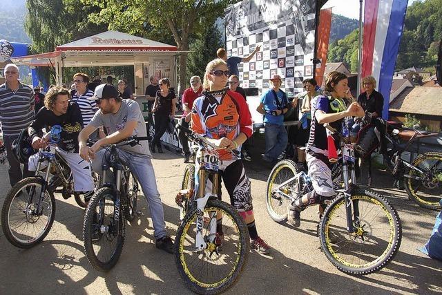 Wagemutige Talfahrt der Biker am Hasenhorn