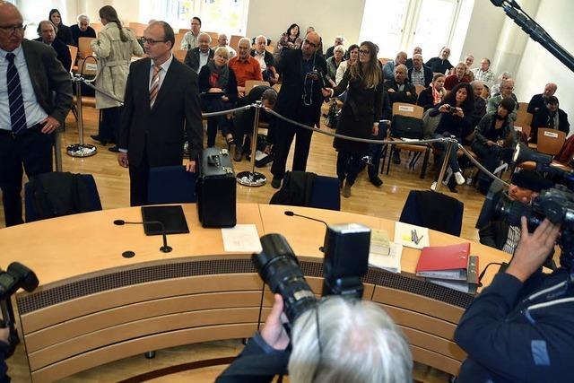 Zu Vorwürfen sagt Moosmann kein Wort