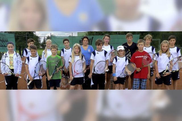 Tennisnachwuchs zeigt sein Können