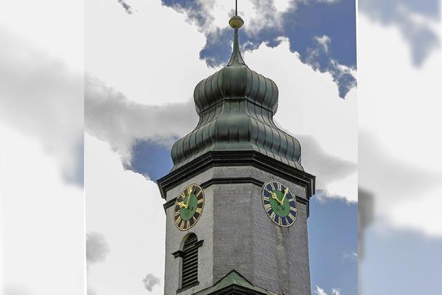 Kirchturmuhr ist defekt und muss repariert werden