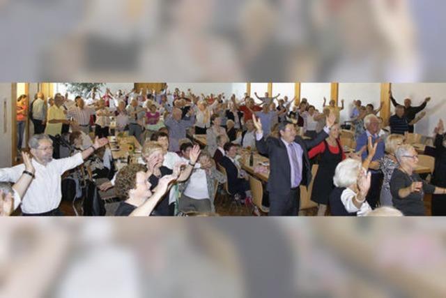 Jugend verwöhnt Ringsheimer Senioren