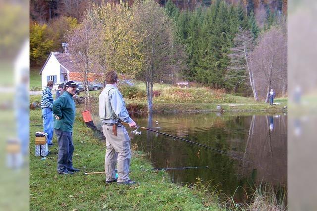 Angler bekommen Wasser