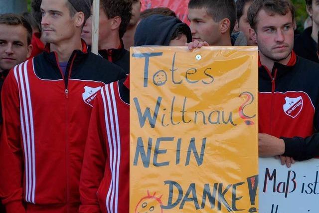 250 Menschen demonstrieren in Wittnau gegen Mitbürger