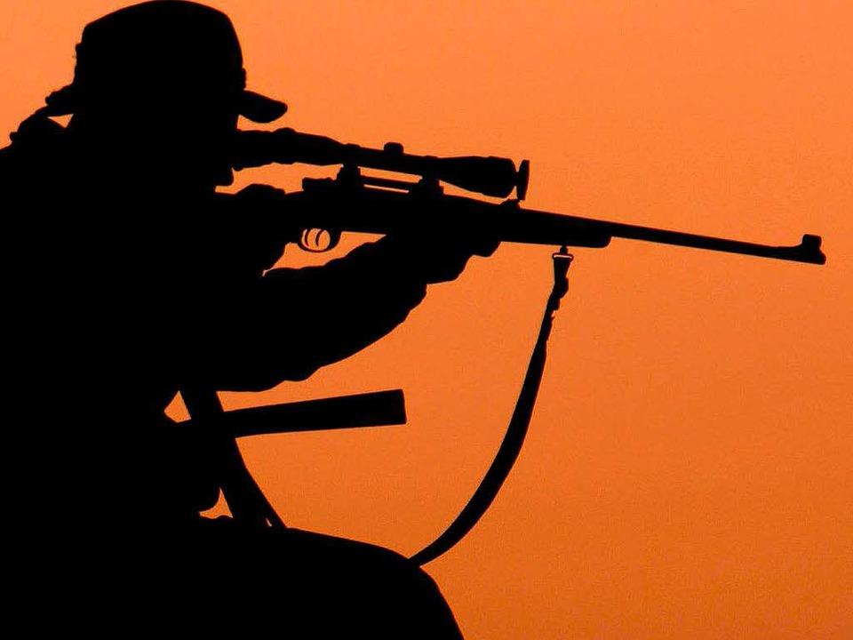 Unfälle auf der Jagd passieren nur sel...xis, bevor man den Jagdschein erhält.   | Foto: dpa