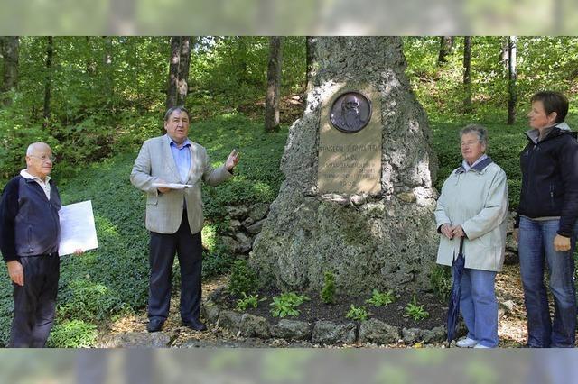 Gedenkstein wird wieder entdeckt