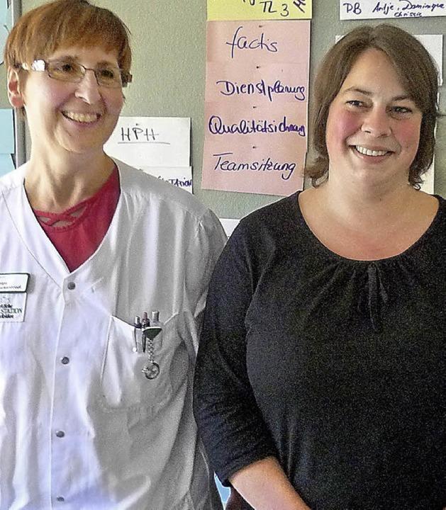 Ausgezeichnet: die Auszubildenden Helga Tuckenbrodt (links) und Miriam Riza   | Foto: Claudia Gempp