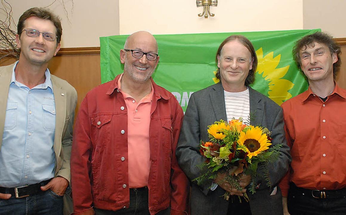 Strahlende Gesichter (von links): der ...weite Kreisvorsitzende Jürgen Fischer     Foto: gertrude siefke