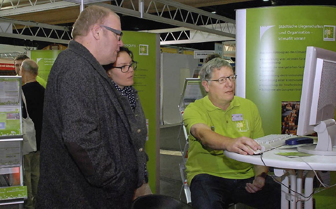 Der städtische Energiemanager Hans-Jür...nergieverbrauch von Haushaltsgeräten.     Foto: gertrude siefke