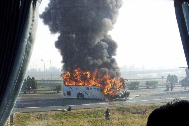 Bus in Flammen: Fünf Deutsche im Norden Chinas getötet