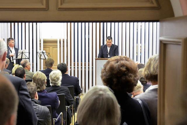 Bürgermeister Schelshorn feiert Einstand mit Eid und Amtskette