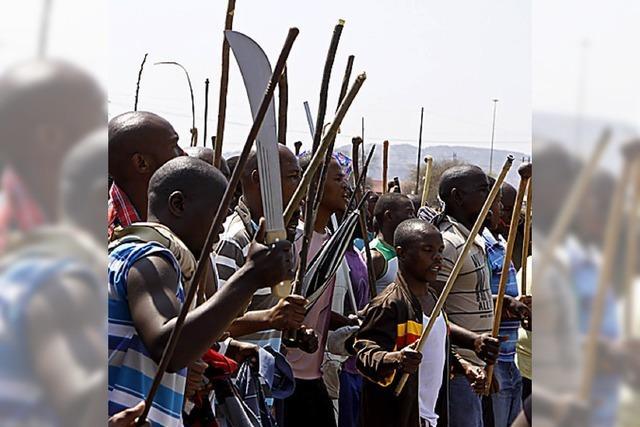 Wilde Streiks lähmen Südafrikas Rohstoffriesen