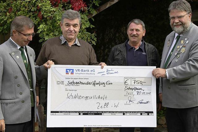 750-Euro-Spende zum Schützenjubiläum